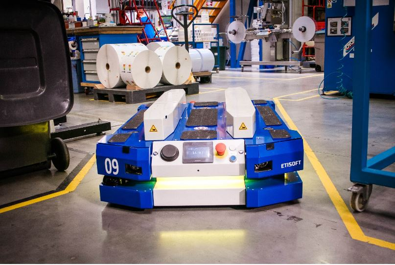 Wózek AGV AMR na produkcji